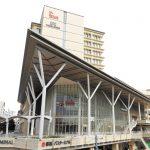 沖縄県立図書館が移転オープン 広い館内に沖縄関連資料も充実